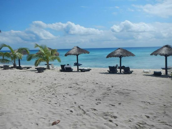 Luxury Bahia Principe Sian Ka'an Don Pablo Collection: Snorkeling private beach