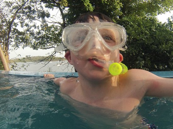 Gone Fishing Panama Resort Hotel: pool monster