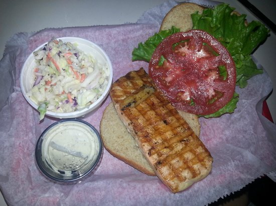 The Fish House : Grilled salmon sandwich
