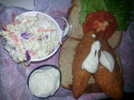 The Fish House : Fried fish sandwich