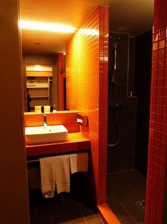 Lanchid 19 Hotel: Salle de bains