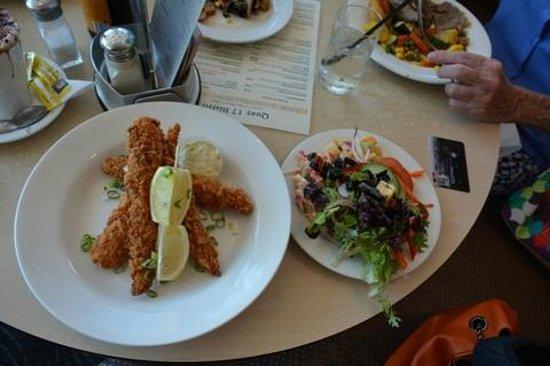 Bundaberg Services Club: Flat Head Fish & Salad Lunch
