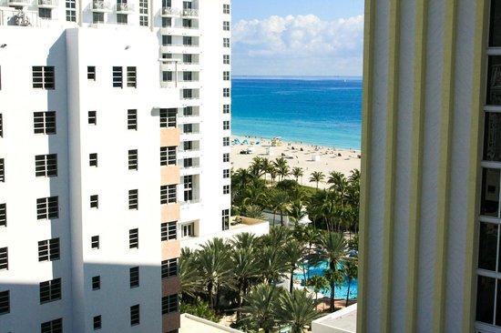 Royal Palm South Beach Miami, A Tribute Portfolio Resort: some ocean view