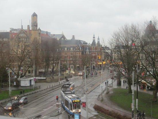 Amsterdam Marriott Hotel : Vista do quarto. Frente para a praça.