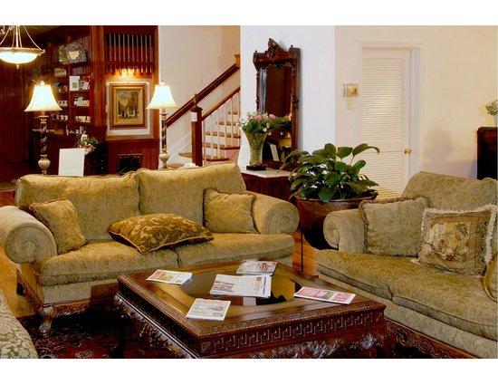 The Country Inn of Berkeley Springs : Lobby