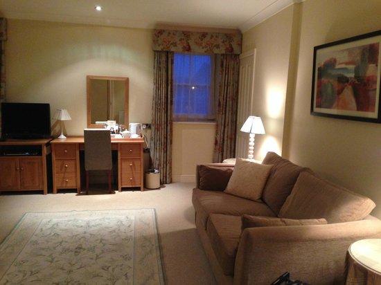 The White Bear Country Inn: bedroom