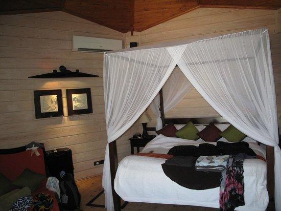 Komandoo Maldives Island Resort: Kompletter Mückenschutz !