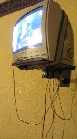Hostal Vincent Van Gogh : ТВ в номере