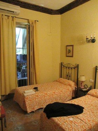 Hostal Vincent Van Gogh: Номер на 2 этаже