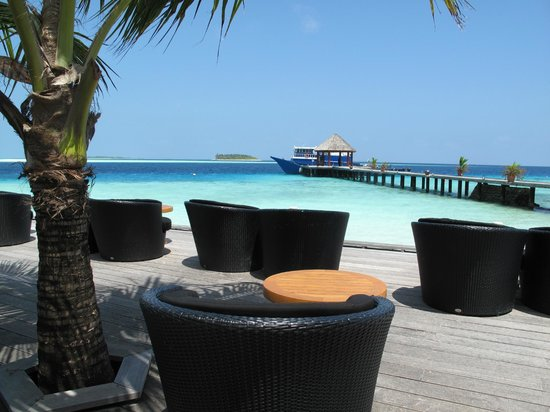 Komandoo Maldives Island Resort: Bar/Jetty