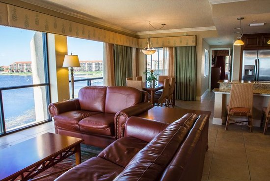 Living Space Four Bedroom Presidential Villa Picture Of Westgate Lakes Resort Spa Orlando