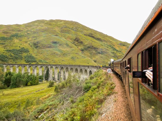 Jacobite Steam Train : Going towards Mallaig over the Glenfinnan Viaduct