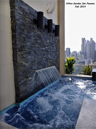 Hilton Garden Inn Panama: Roof top jacuzzi