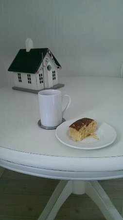 Valley Cottage: Yummy tea and cake!