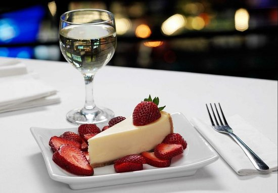 Minsky's Pizza: Minsky's Cheesecake
