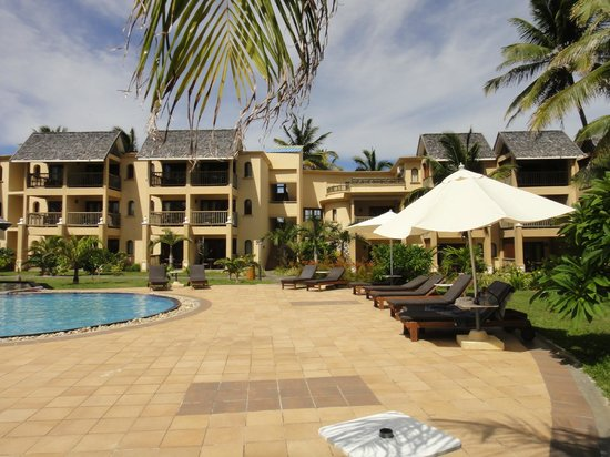 Jalsa Beach Hotel and Spa: Hotel and grounds