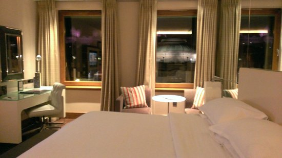 Sheraton Grand Hotel & Spa: The room