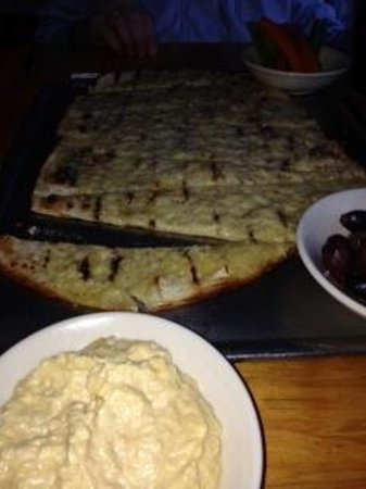 Moat Mountain Smokehouse: hummus  and flatbread appetizer...huge!
