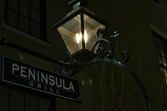 Peninsula Grill : Night photo
