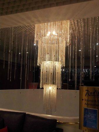 Radisson Blu Marina Palace Hotel, Turku : Kronleuchter