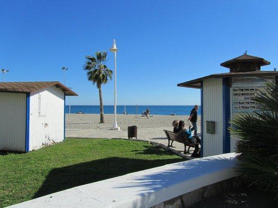 Playa de Burriana: brede strand en de huisvesting van de officials