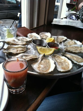 Pearlz Oyster Bar : A dozen Virginia oysters and a shooter!