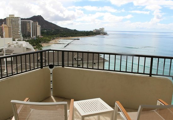 Moana Surfrider, A Westin Resort & Spa: View from our balcony in new wing