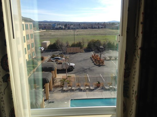 Oxford Suites Chico : View From Room 425