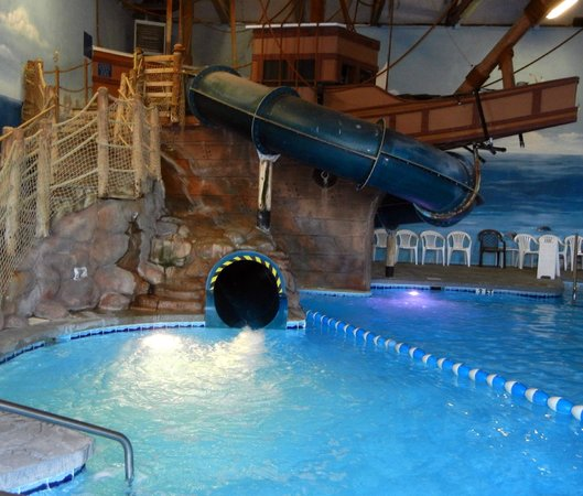 John Carver Inn & Spa: water slide