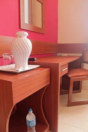 Centroamericano Hotel: Escritorio / Work desk