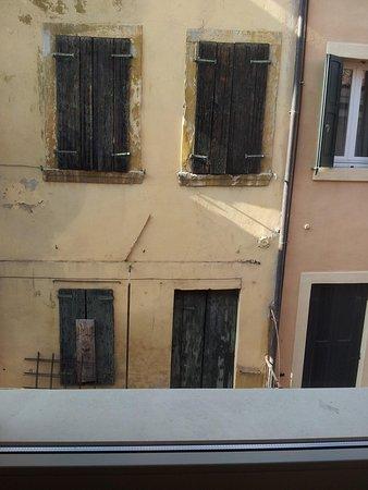 Hotel Milano & Spa: vista dalla finestra della nostra stanza :-(