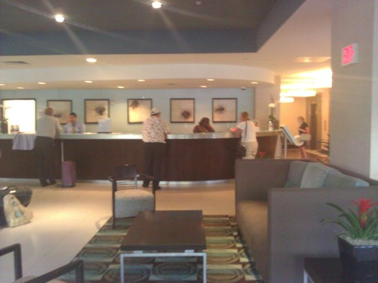 Crowne Plaza Hollywood Beach: front desk