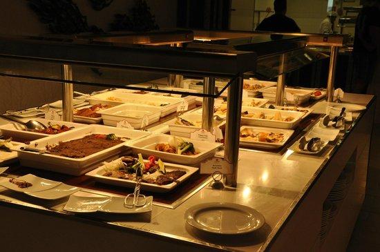 Sandos Cancun Lifetyle Resort : Buffet, Zango