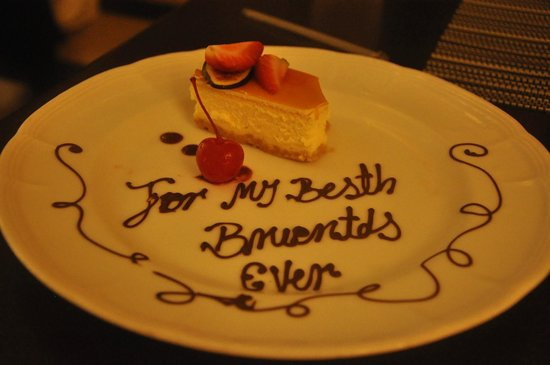 Sandos Cancun Luxury Resort : From our new friend, Erik in Zango on our last night!