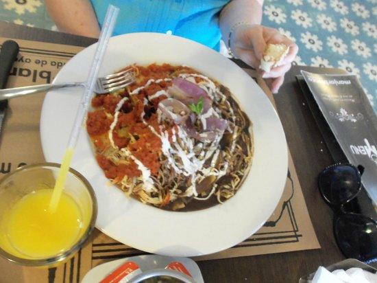 Manjar blanco: Chilequiles; wifes favorite
