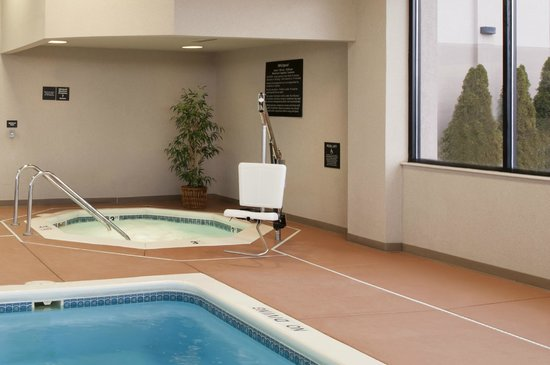 Hampton Inn Muskegon: Indoor Spa