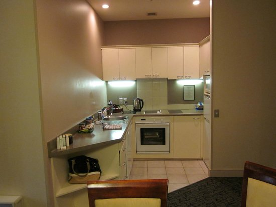 CityLife Wellington : Well-equipped kitchen area