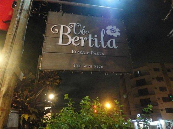 Vo Bertila Pizza & Pasta: placa na entrada