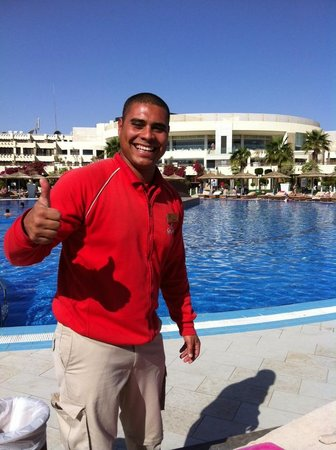 Coral Sea Sensatori - Sharm El Sheikh: Poolside staff