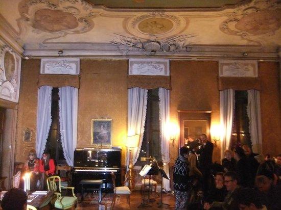 Musica A Palazzo: Setting for Scene 2