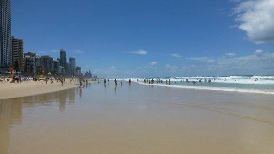 Surfer's Paradise Beach: At the beach