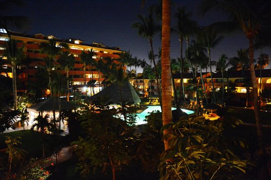 Marina Sol Resort: Nighttime view from room