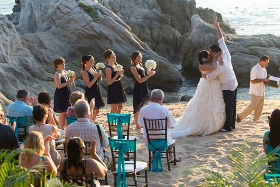 Dreams Huatulco Resort & Spa: Wedding Photographer Photos - pre edit - Luna Gainza