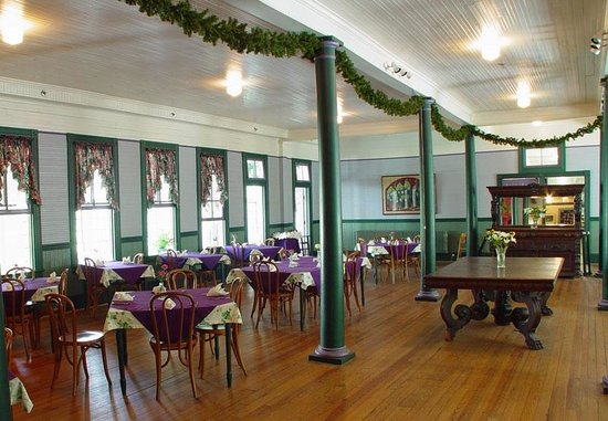 Balsam Mountain Inn & Restaurant: Grand Dining Room at the Balsam Mountain Inn