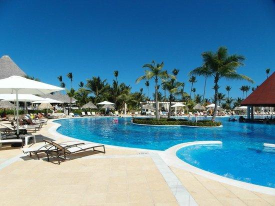 Luxury Bahia Principe Ambar Don Pablo Collection : Ambar pool area
