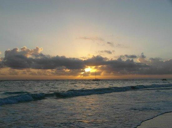 Luxury Bahia Principe Ambar Don Pablo Collection : sunrise over Punta Cana