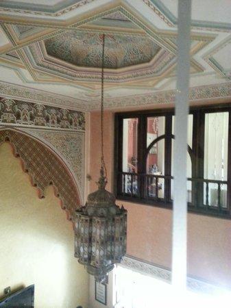 Amani Hôtel Appart : Treppenhaus