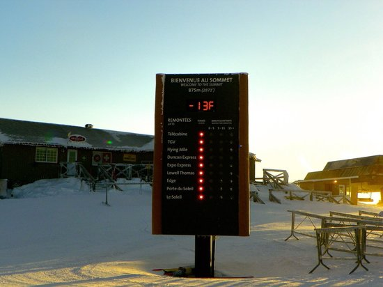 Fairmont Tremblant: 8 o'clock in the morning on the summit of the mountain at Mount Tremblat