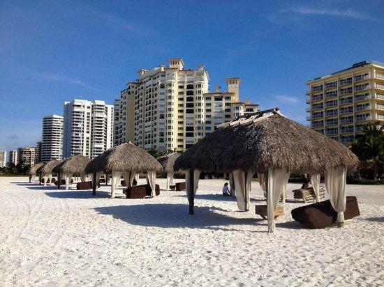 JW Marriott Marco Island Beach Resort: Beach area