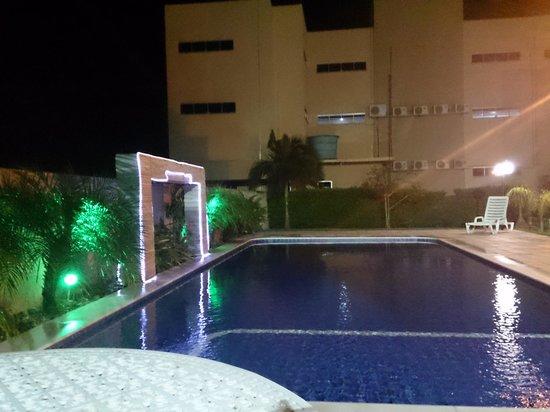 Opuka Park Hotel: piscina opuka